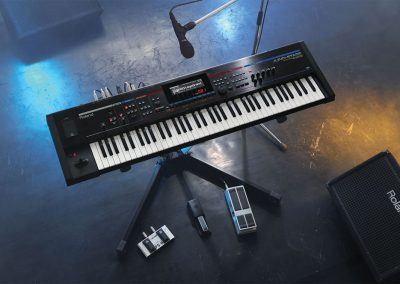 Roland Juno Stage synthesizer met song player