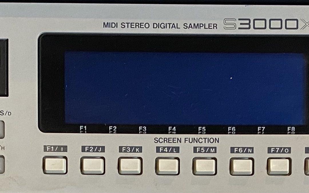 Akai S-3000xl Sampler