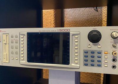 Akai S-5000 Sampler